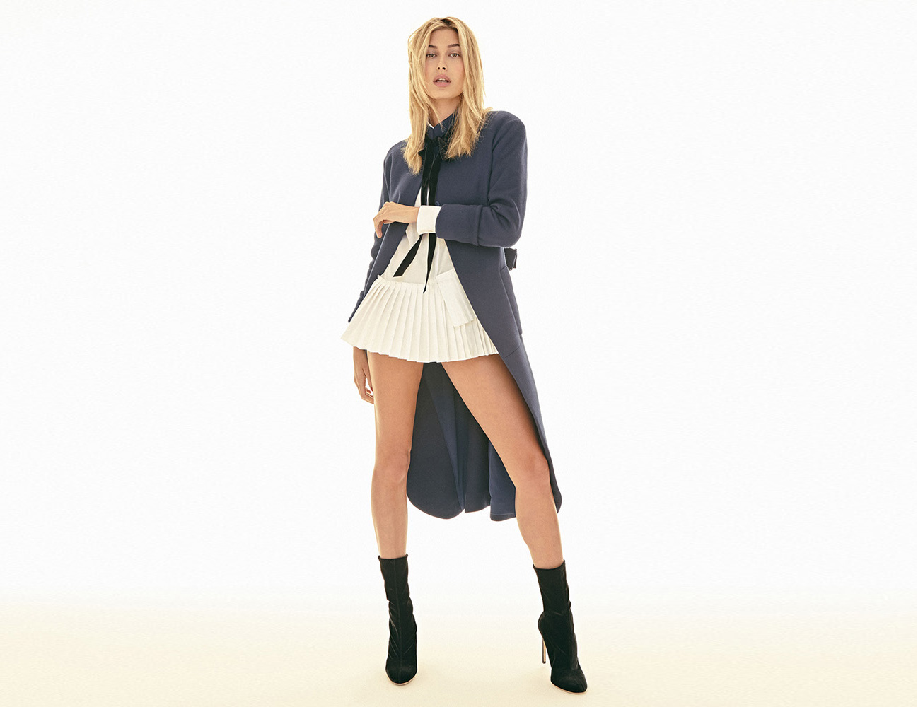 S MODA  / Hailey Baldwin / Celebrity
